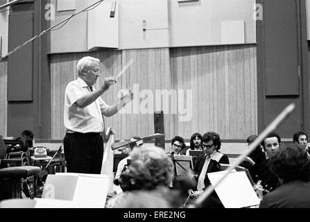 Sir Edward Heath, KG, MBE, (1916-2005) recording with the English Chamber Orchestra at Abbey Road Studios, London, - Stock Photo