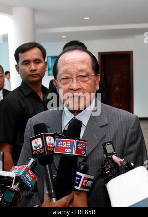 Phnom Penh, Cambodia. 2nd June, 2015. Cambodian Deputy Prime Minister and Foreign Minister Hor Namhong addresses - Stock Photo