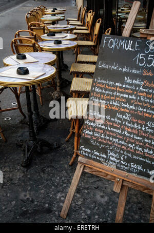 A cafe on the streets of Paris, France - Stock Photo