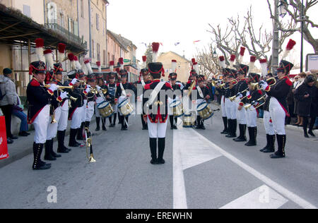 Musique du Tambour d'Arcole in Napoleonic light infantry uniform,   performing in the village of Roquemaure, Southern - Stock Photo