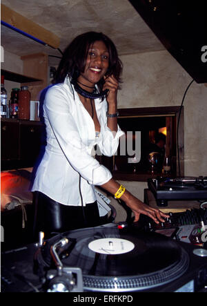 Smokin' Jo - portrait of the female DJ playing records at the Dick's T-bar in Chamonix, France, 2001. Only female - Stock Photo