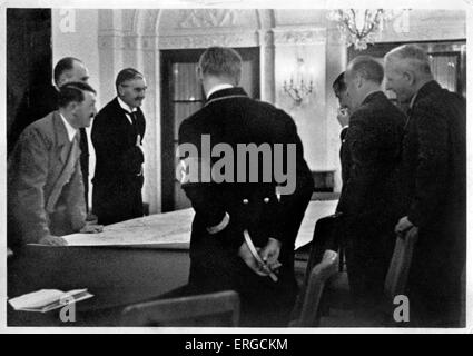 Adolf Hitler and Neville Chamberlain, 1938, in the Rhein Hotel Dresden, Bad Godesberg, 22-23 September 1938. AF: - Stock Photo