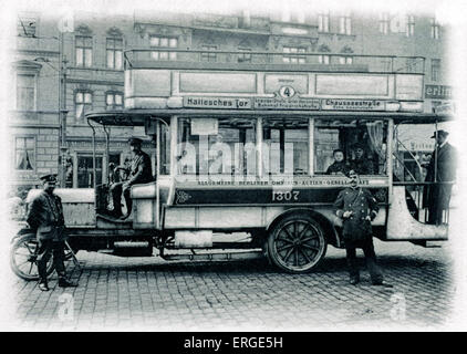 Omnibus, Berlin - early 20th century. Route from Hallesches Tor to Chausseestraße. - Stock Photo