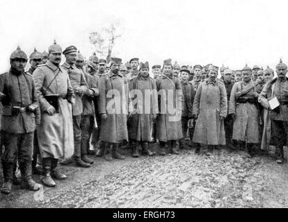 World War 1: Serbian Prisoners of War captured by Austro- Hungarian forces. Near Belgrade, Serbia. Published 4 November - Stock Photo