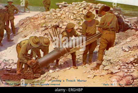 World War 1: British soldiers loading a trench mortar (indirect fire weapon that fires explosive projectiles). British - Stock Photo