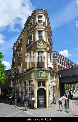 Blackfriars Public House, Queen Victoria Street, Blackfriars, London, England, UK - Stock Photo