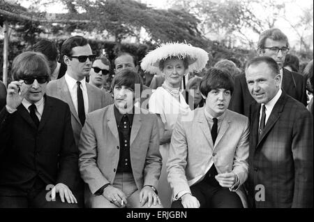The Beatles at a Hollywood garden party on their American Tour. Left to right: John Lennon, Ringo Starr and Paul - Stock Photo
