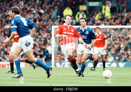 Everton 0-2 Manchester United, league match at Goodison Park, Saturday 12th September 1992. Brian McClair. - Stock Photo