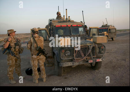 British Forces in Iraq.  Members of the 1st Battalion Devonshire and Dorset Light Infantry on patrol near Basra, - Stock Photo