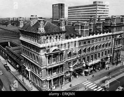 Exterior view of Snow Hill Railway station in Birmingham after its closure in 1967. Circa 1967. - Stock Photo