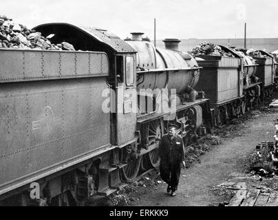 Out of service Kings class locomotives pictured at Stafford Road depot in Wolverhampton. September 1962. - Stock Photo