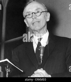 Tory party leader Sir Alec Douglas Home seen here speaking at a Conservative party meeting at Hampstead Town Hall. - Stock Photo