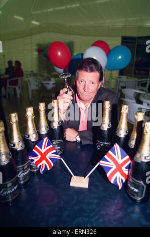 Coronation Street Stars at Olympic Announcement in Castlefield Manchester, 23rd September 1993. - Stock Photo