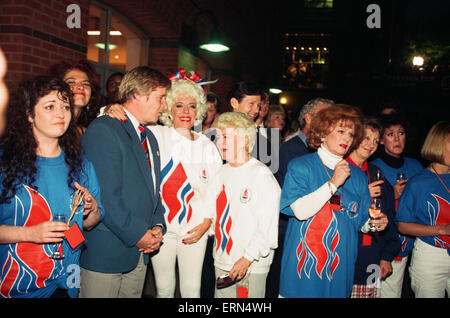 Coronation Street Stars at the Olympic Announcement in Castlefield, Manchester. 23rd September 1993. - Stock Photo