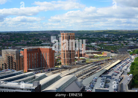 high angle view of leeds city station and granary wharf building yorkshire united kingdom - Stock Photo