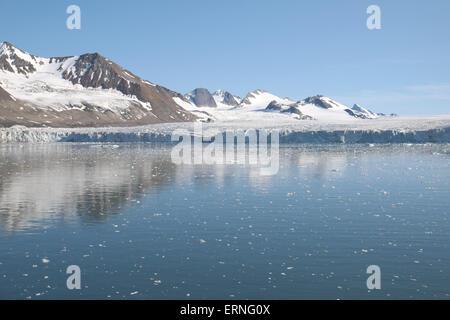 Mountain scenery adjacent to Burgerbukta, Hornsund, Spitzbergen, Svalbard. - Stock Photo