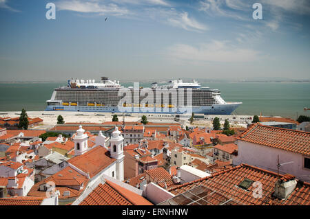 Portugal Lisbon Huge Cruise Ship And Ferry Boat Meeting At The - Lisbon cruise ship port