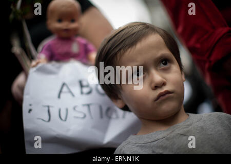 Mexico City, Mexico. 5th June, 2015. A child takes part in a march in commemoration of the 6th anniversary of the - Stock Photo