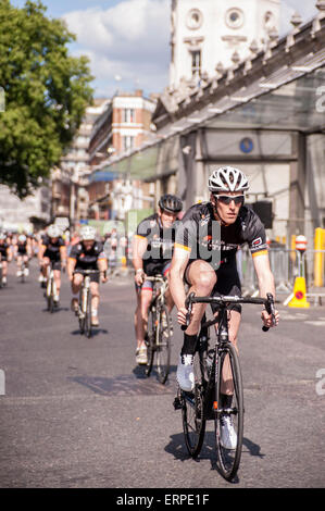 London, UK. 6 June 2015.  Participants in the Jupiter race pass by, as the 9th edition of the award winning Jupiter - Stock Photo
