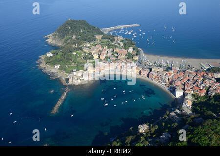 SEASIDE RESORT and FISHING VILLAGE (aerial view). Sestri Levante, Liguria, Italy. - Stock Photo