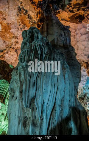 Vietnam Hang Dau Go (Wooden stakes cave) is the largest grotto in the Hạ Long area Its three large chambers contain - Stock Photo