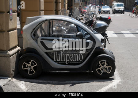 Renault TWIZY is a 100% electric vehicle car cars zero emissions city cities poluution air small tiny twizzy - Stock Photo