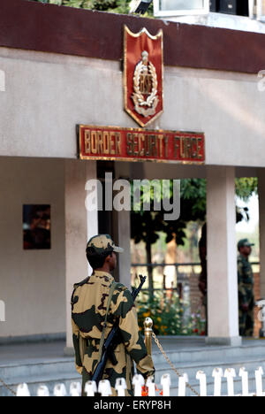 Indian Border Security Force soldier outside BSF office at India Pakistan international Border - Stock Photo
