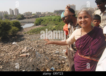 Medha Patkar founder of Narmada Bachao Andolan and national alliance of people movement in Mankhurd - Stock Photo