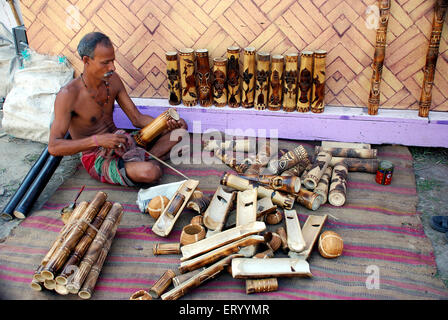 Artist doing bamboo craft of Calcutta Kolkata ; West Bengal ; India NO MR - Stock Photo