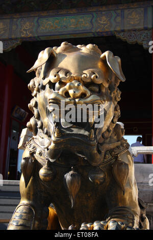 China Beijing Carved Marble Lion Beihai Park Stock