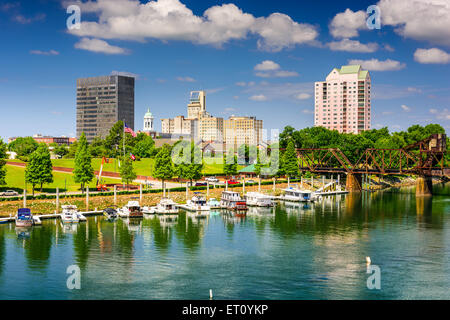 Augusta, Georgia, USA downtown skyline on the Savannah River. - Stock Photo