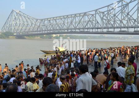 People Assembled Howrah Bridge Kolkata West Bengal India Asia - Stock Photo