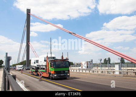 Europe, Germany, Cologne, truck on the river Rhine bridge of the Autobahn A1 between Cologne and Leverkusen. Due - Stock Photo