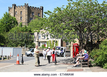 Durham, UK 11th July 2015 A hot sunny June day is enjoyed in the City of Durham  (c) Jim Nicholson / Alamy Live - Stock Photo