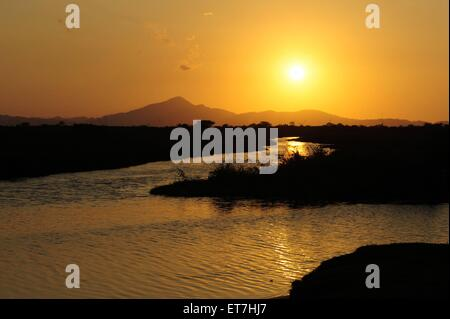 Sonnenuntergang ueber Flusslandschaft, Honduras, La Mosquitia, Biosphaerenreservat Las Marias, Gracias a Dios | - Stock Photo