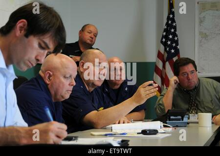 U.S. Coast Guard Commandant Adm. Thad Allen during a meeting on the ongoing efforts to continue the BP Deepwater - Stock Photo