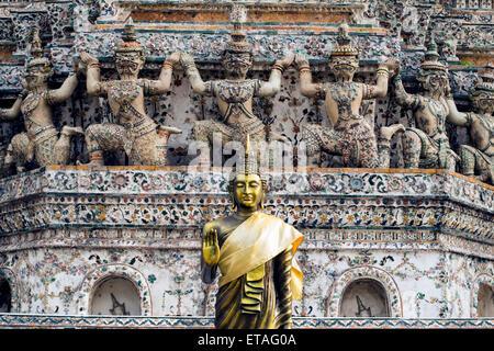 Asia Thailand, Bangkok. Wat Arun. Statue of Buddha. - Stock Photo