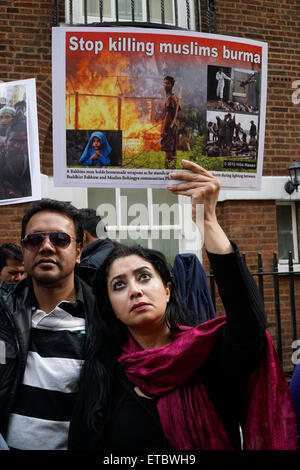London,UK, 12th June 2015 : A group of pakistanis from Pat London hosts a protest against the Genocide of Rohingya - Stock Photo
