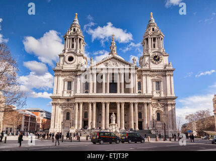West Facade, St Paul's Cathedral, London. - Stock Photo