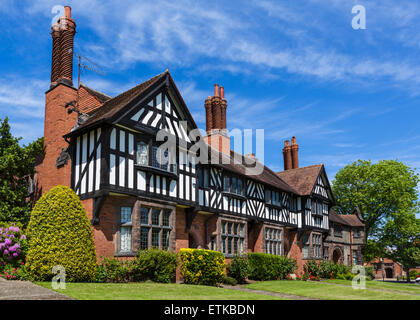 Houses on Park Road in the model village of Port Sunlight, Wirral Peninsula, Merseyside, England, UK - Stock Photo