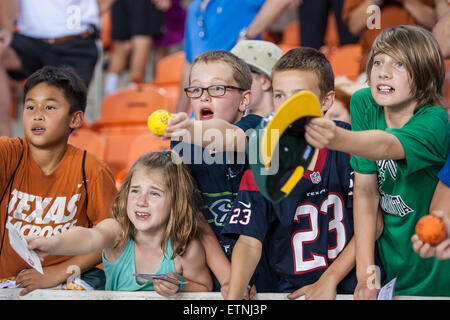 Houston, Texas, USA. 13th June, 2015. Fans seek autographs from the players following the Major League Lacrosse - Stock Photo