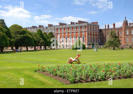 Hampton Court Palace, Richmond, London, England, UK - Stock Photo
