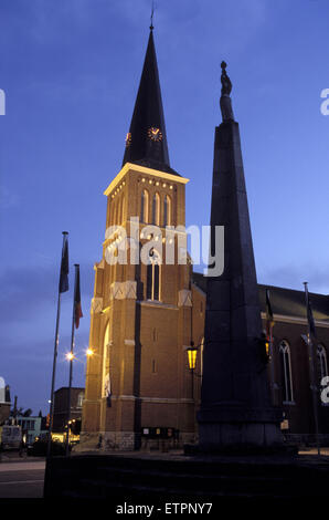 BEL, Belgium, Eastbelgium, Kelmis, Calamine, church St. Maria Himmelfahrt and the war monument.  BEL, Belgien, Ostbelgien, - Stock Photo