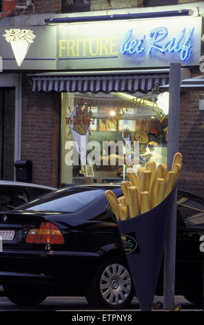 BEL, Belgium, Eastbelgium, Kelmis, Calamine, hot-dog stall at the street from  Aachen to Liege.  BEL, Belgien, Ostbelgien, - Stock Photo