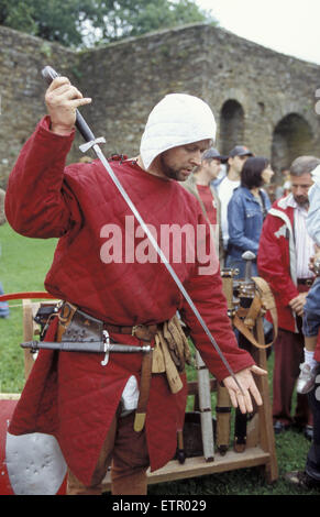 BEL, Belgium, Eastbelgium, castle festivity in Burg Reuland, chevalier, sword.  BEL, Belgien, Ostbelgien, Burgfest - Stock Photo