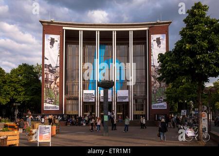 Europa, Deutschland, Nordrhein-Westfalen, Ruhrgebiet, Bochum, das Schauspielhaus an der Koenigsallee.  Europe, Germany, - Stock Photo