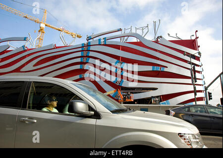 Los Angeles, California, USA. 15th June, 2015. Construction of new facade at Petersen's Automotive Museum Credit: - Stock Photo