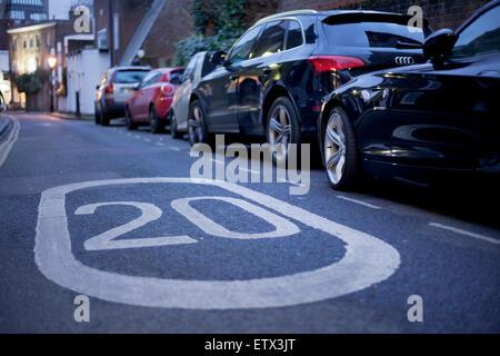 Twenty miles per hour speed limit, London - Stock Photo