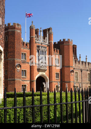Hampton Court Palace main entrance, a royal palace in the London Borough of Richmond upon Thames Greater London - Stock Photo