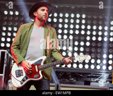 Rosemont, Illinois, USA. 15th June, 2015. Guitarist JAMES SHAW of Metric performs live on stage at the Allstate - Stock Photo